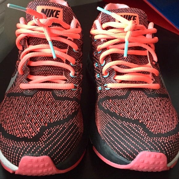 sports shoes e0535 93dc8 WOMEN'S NIKE AIR ZOOM STRUCTURE 18 RUNNING SHOES